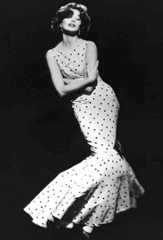 """Suzy Parker, famous model, in a fabulous """"fish tail"""" maxi with those polka dots and a figure hugging sheath design. Old Hollywood Glamour, Vintage Glamour, Vintage Beauty, Fashion Moda, 1950s Fashion, Fashion Week, Fashion Trends, Paris Couture, Suzy Parker"""