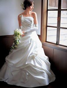 Beautiful White Wedding Dress for Brides