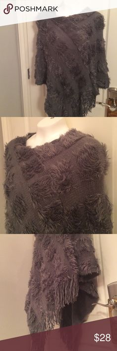 ✨ Fabulous PONCHO add style to your wardrobe Rich Gray Geometric Design with Fringes~Triangle at hemline both front & back Sweaters Shrugs & Ponchos