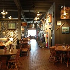 Cracker barrel old country store and restaurant 33823 for How did cracker barrel get its name