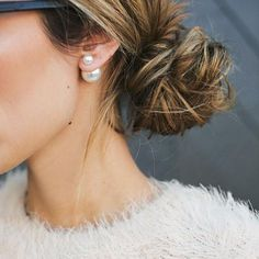 Our top quality haute designer-style double pearl earring that goes with Everything. Inspired by the pearl earrings on the runways, our high quality pearl earrings feature two pearls counterbalanced a