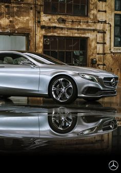With its gorgeous appearance and self-assured style, the Concept S-Class Coupé perfectly embodies the Mercedes-Benz design philosophy of sensual clarity.