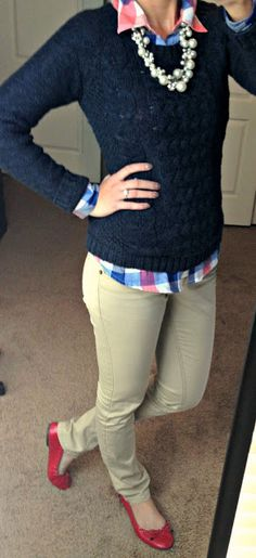 Love the top half of the outfit.  Would like this better with  jeans and not twill pants.