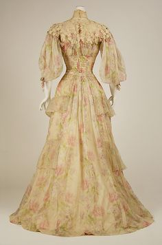 Dress - Dress Date: 1902–3 Culture: French Medium: silk Dimensions: [no dimensions available] Credit Line: Gift of Mrs. M. Julia Mullaney, 1942