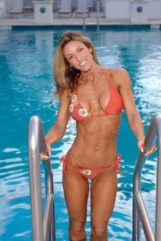 A picture of heather green. This site is a community effort to recognize the hard work of female athletes, fitness models, and bodybuilders. Fitness Goals, Fitness Tips, Chico Fitness, Heather Green, Live Fit, Back And Biceps, Bodybuilding Training, Bikini Workout, Athletic Women