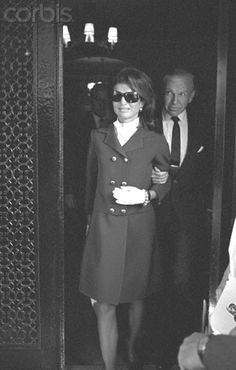 The day Robert Kennedy was shot A grieving Jackie Kennedy leaves her apartment at 1040 Fifth Avenue for Los Angeles on the day that Robert Kennedy was shot.  Date Photographed:June 05, 1968.http://en.wikipedia.org/wiki/Jacqueline_Kennedy_Onassis   http://en.wikipedia.org/wiki/Robert_F._Kennedy   ❤❤❤