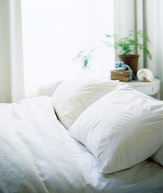 BED LINENS : DOWN FILLED  ~~ How to Wash a Down Comforter from Real Simple-