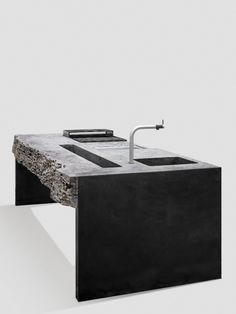 The garden kitchen: Two filigree steel cheeks carry the stone block of the kitchen top and bring the appearance of the to the point with style. F - All About Gardens Outside Living, Outdoor Living, Indoor Outdoor, Sink Design, Kitchen Design, Barbecue, Stone Blocks, Forest House, Kitchen Tops
