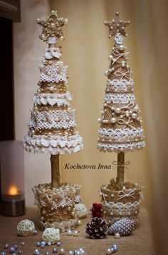 Christmas tree from burlap and lace is a perfect gift for coming holidays and home decor. These cute little things in rustic style will add subtle zest to your house )