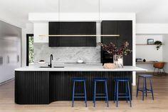 Home Design, Interior Design, House Extension Design, Bungalow Renovation, Modern Bungalow, Front Rooms, Design Moderne, Cuisines Design, Black Kitchens