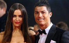 """Irina deixa de seguir Ronaldo nas redes socias e aumenta rumores sobre """"Separação""""  http://angorussia.com/entretenimento/fama/irina-deixa-de-seguir-ronaldo-nas-redes-socias-e-aumenta-rumores-sobre-separacao/"""