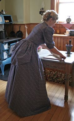 Buy Althea Victorian Style Bustle Dress from Recollections. Historical Costume, Historical Clothing, Historical Society, Victorian Fashion, Vintage Fashion, Pioneer Clothing, Pioneer Dress, Pioneer Woman, Pioneer Life
