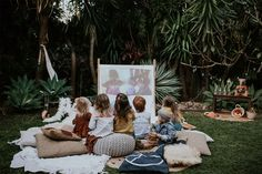 Our Guide to Throwing an Outdoor Movie Night. Grab these handy projectors and cozy seating for the perfect outdoor movie party in your backyard. There's no better time than an early summer evening to ditch the sofa in favor of an outdoor movie night. Backyard Movie Party, Outdoor Movie Party, Backyard Movie Nights, Outdoor Movie Nights, Movie Night For Kids, Movie Night Party, Family Movie Night, Boxing Day, Kino Party