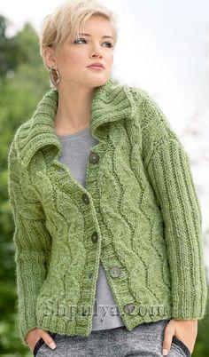 Зеленый жакет с зигзагообразным узором и рукавами в резинку, вязаный спицами