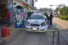 #Policíacas El Domingo por la Noche Roban Violentamente un Taxi el Cual Apareció Abandonado Este Lunes http://noticiasdechiapas.com.mx/nota.php?id=94618 …