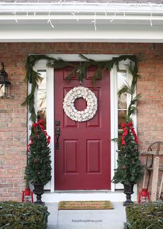 Christmas door see more at http://blog.blackboxs.ru/category/christmas/