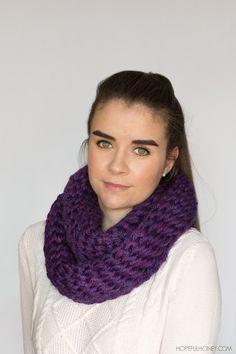 Chunky finger #crochet scarf free pattern from Hopeful Honey
