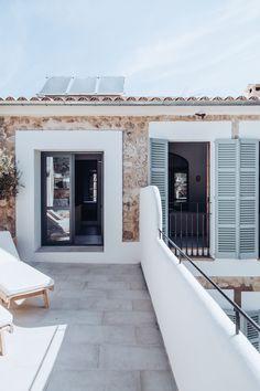 Une piscine minimaliste pour une spectaculaire maison de famille au soleil - PLANETE DECO a homes world