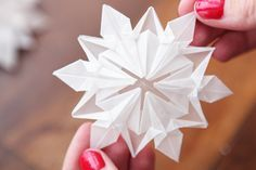 Flocons origami #DIY                                                                                                                                                                                 Plus