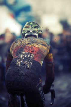 Only by the stripes is he recognizable.   Sven Nys at Loenhout 2012  Photo credit: bram paulussen