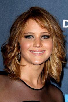 Le carré châtain méché : Le CV coiffure de Jennifer Lawrence - Journal des Femmes