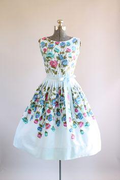 Vintage 1950s Dress / 50s Cotton Dress / Stacy Ames Light Blue Floral Border Print Dress M