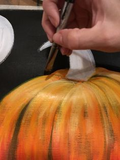 How To Paint A Pumpkin Harvest Moon - Step By Step Painting Learn how to paint a pumpkin on canvas. This step by step acrylic painting tutorial will demonstrate how to paint an orange pumpkin and harvest moon. Fall Canvas Painting, Acrylic Painting Lessons, Acrylic Painting Tutorials, Autumn Painting, Tole Painting, Diy Canvas, Diy Painting, Pumpkin Painting, Painting Techniques