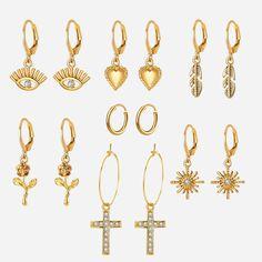 Heart Earrings, Women's Earrings, Street Shooting, Gold Sapphire Ring, Earring Trends, Gold Eyes, Minimalist Jewelry, Indian Jewelry, Earring Set