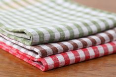 To prevent buying new dish towels every month, check out these easy tips to wash and clean dish towels at home! To prevent buying new dish towels every month, check out these easy tips to wash and clean dish towels at home!