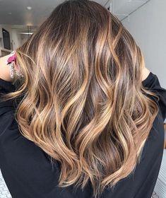 70 Flattering Balayage Hair Color Ideas for 2020 Hair Color Balayage, Hair Highlights, Caramel Balayage Highlights, Haircolor, Hair Color And Cut, New Hair Colors, Shoulder Length Hair, Brunette Hair, Gorgeous Hair