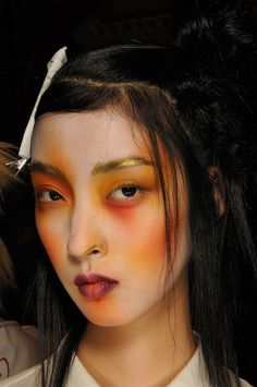 Kang So Young, Vivienne Westwood Spring/Summer 2012 Love the make-up, SO theatrical.