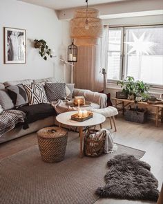 "Interior | Design | Bedroom on Instagram: ""I absolutely adore this 🌈 🌈 . . Follow 💫 @modernbedspace Follow 🌟 @modernbedspace . Credit @kohteessa . . . . . . . #by_kohteessa…"""