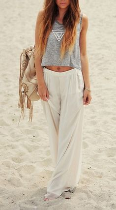 Perfect look for beachy relaxation on spring break #travel #springbreak #travelstyle