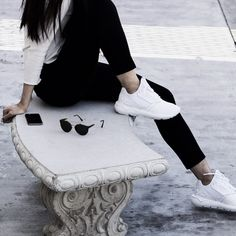 These women shoes build on the legacy of the 1993 Tubular runner, redrawing it as a contemporary street-style sneaker. They feature a smooth sock-like neoprene upper with a tonal heel cage and TPU eyestays. The EVA tube outsole is modeled on the original, which drew its technical inspiration from inflatable car tires.