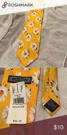 """Daisies Abound Necktie How much fun is this tie? Well put it in your closet and find out! NWT GAP 58"""" necktie with Daisies fit for a Gentleman or a Lady ! 100% Silk Made in the USA  GAP Accessories"""