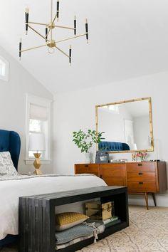 Bettbank Holz Stauraum Messing Dekorationen Petrolblau Kopfteil #bedroom #furniture