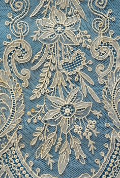 / beautiful and elaborate antique lace / Needle Lace, Bobbin Lace, Lace Ribbon, Lace Fabric, Antique Lace, Vintage Lace, Types Of Lace, Lacemaking, Art Textile