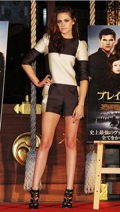Kristen Stewart - Checker