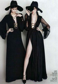 Not Your Basic Fruit Dark Fashion, Gothic Fashion, Modern Witch Fashion, White Fashion, Hippie Fashion, Fashion Tips, Coven Fashion, Gothic Mode, Mode Boho