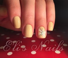 Yellow Nails, Butterfly