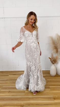 100 Best Hourglass Wedding Dress Images In 2020 Wedding Dresses Bridal Gowns Wedding Dresses Lace,Ball Gown Lace Backless Wedding Dresses