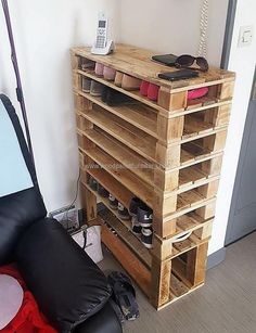 The shoe rack is included in the things in a home which are important, so how we can forget to add an idea for creating a reclaimed wood pallet shoe rack? There is enough space to place many pairs of shoes as the rack contains multiple layers without the section division.