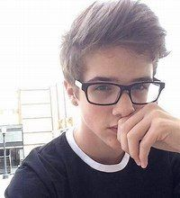 Boys with glasses cute teenage boys, cute teen guys, teen boys, 15 ye Cute Teen Guys, Cute Teenage Boys, Teen Boys, Teen Boy Haircuts, Haircuts For Men, Outfits For Teens, Boy Outfits, Guys With Black Hair, Boys Glasses