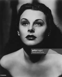 Austrian-born American actress Hedy Lamarr (1913 - 2000), circa 1940. (Photo by American Stock Archive/Archive Photos/Getty Images)
