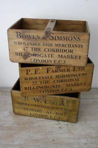 VINTAGE WOODEN FISH CRATE TRUG BUSHEL BOX PLANTER LARGE SET Wooden Crates Rustic, Vintage Crates, Old Wooden Boxes, Old Crates, Wood Boxes, Rustic Wood, Kasser, Old Hickory, Wooden Fish