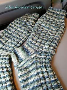 Fingerless Gloves, Arm Warmers, Knit Crochet, Knitting Patterns, Socks, Fashion, Knitting Socks, Fingerless Mitts, Moda