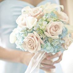 Have you ever seen such a beautiful bouquet?  Soft powder blue hyacinths and pale pink roses... divine!   www.wed2b.co.uk