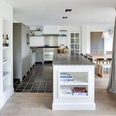 Keuken met keukeneiland in landelijke stijl - Portfolio Interior -Denise Keus photography
