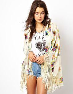 kimono, fringe kimono, floral kimono, music festival, outfits, dreamy outfit, boho outfits, bohemian   Murder On The Catwalk