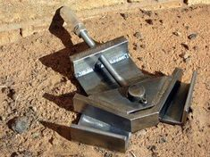 Corner Clamp. Similar clamps sell for over $100 in stores, this guy built it from scrap! Awesome job!: